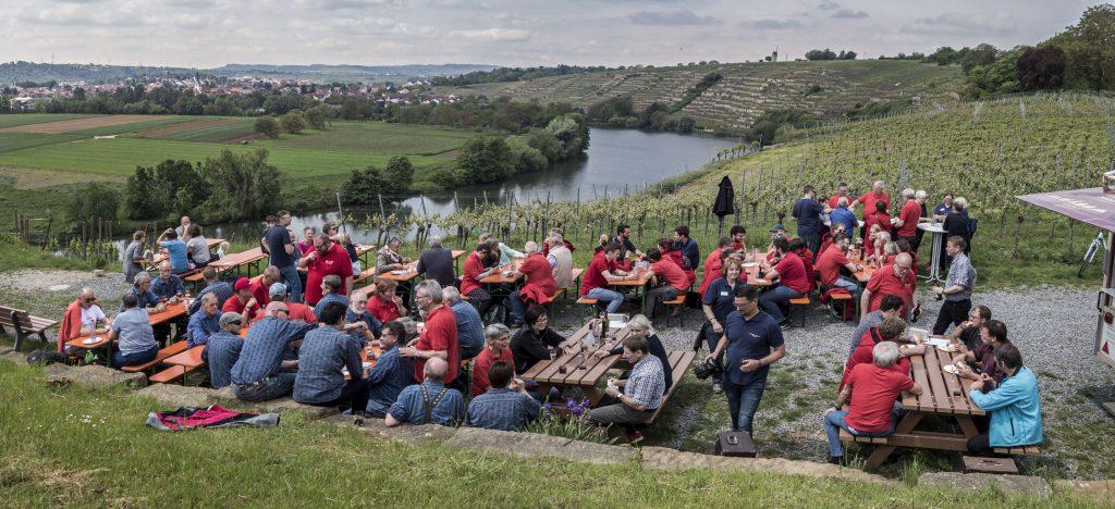 Bewirtung der Kirchheimer Weinterrasse durch die Bürgerinitiative B27 raus aus Kirchheim